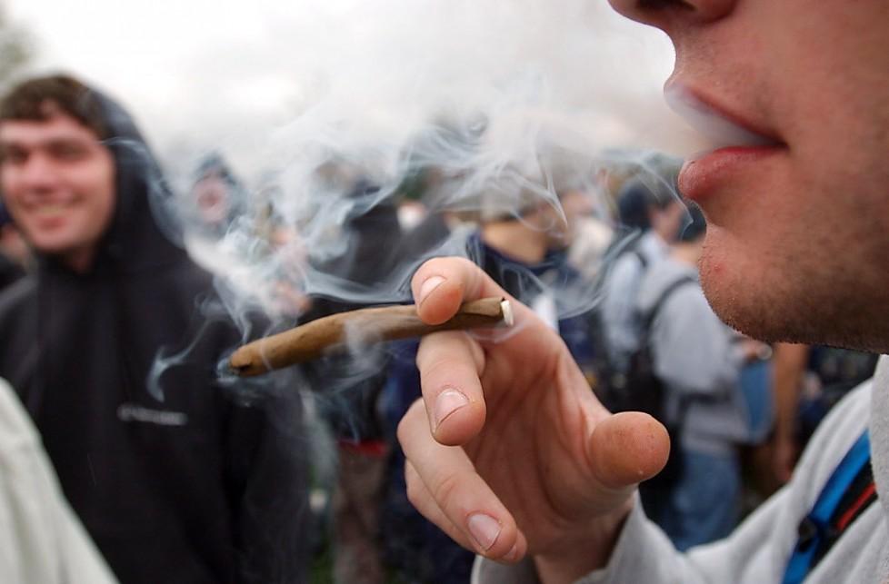 palenie-marihuany-978x643